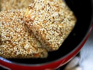 Bánh khô mè Cẩm Lệ - Quảng Nam