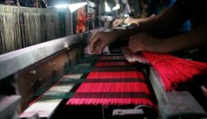 Dệt vải ở Hồi Quan