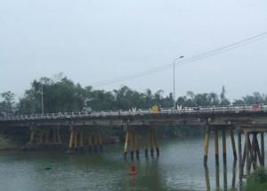 Cầu cũ Vĩnh Điện
