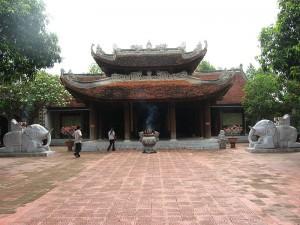 Đền Lý Bát Đế, còn gọi là Đền Đô, thờ 8 vị vua nhà Lý.