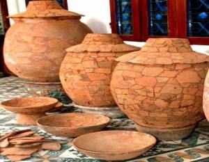 Mộ chum, cổ vật tìm thấy của nền văn hóa Sa Huỳnh.