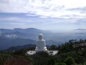 Tượng Phật trên đỉnh Bà Nà