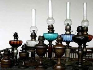 Bộ sưu tập đèn tọa đăng hơn 100 năm tuổi của nhà sưu tầm Nguyễn Quang Mạnh