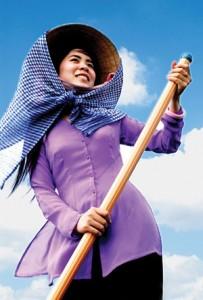 Thiếu nữ Nam Bộ với áo bà ba và khăn rằn