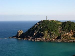 Ngọn hải đăng trên mũi Đại Lãnh