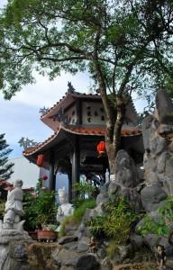 Vườn tượng chùa Kỳ Viên