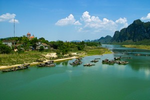 Cảnh làng Minh Cầm