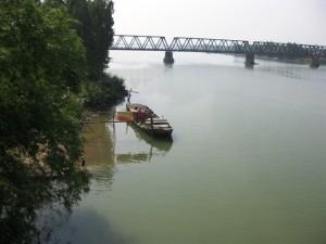 Cầu Thọ Tường bắc qua sông La
