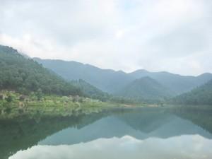 Hồ Hàm Lợn trên núi Hàm Lợn, thuộc dãy Độc Tôn