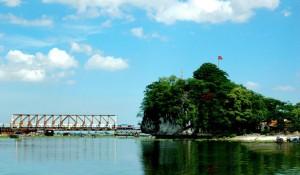 Sông Vân núi Thúy