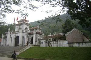Đền thờ bà Triệu ở Phú Điền