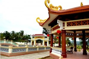 Một góc khu mộ Lương Văn Chánh tại huyện Phú Hòa