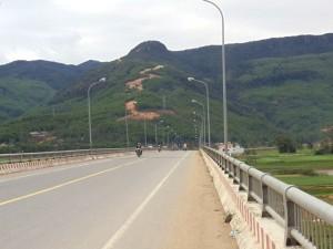 Cầu Hà Nha bắc qua sông Vu Gia