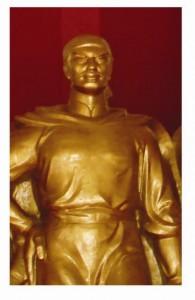 Tượng Nguyễn Nhạc trong bảo tàng Quang Trung